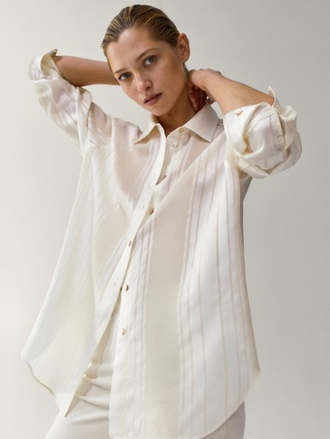 Shirt with striped detail