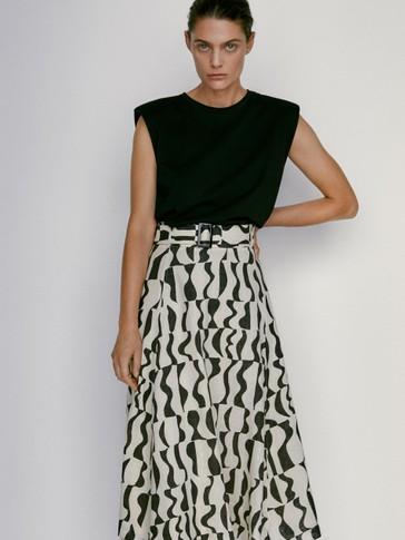 Geometric print skirt with belt