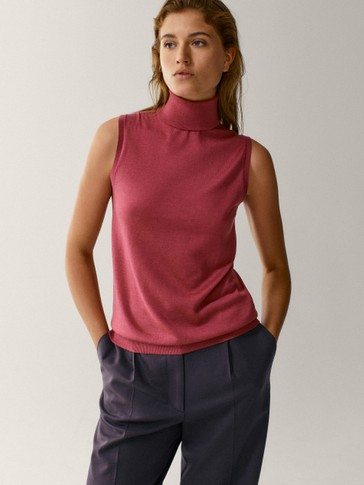 Wool/silk turtleneck sleeveless sweater