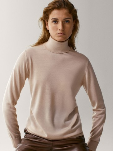 Wool/silk turtleneck sweater