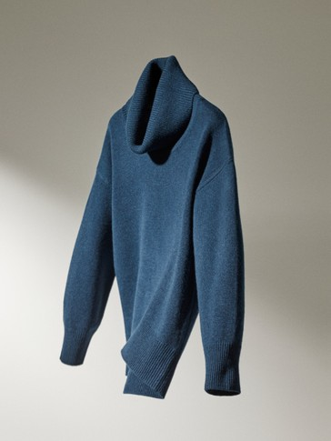 Cashmere wool wide neck sweater