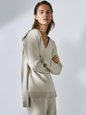 V-neck cape sweater