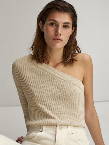 Ribbed asymmetric sleeve sweater