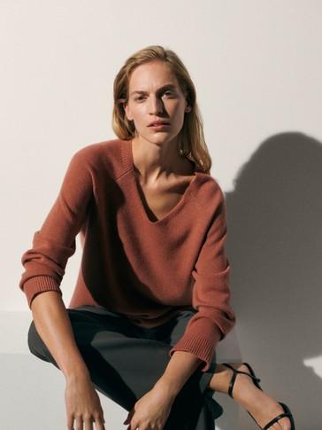 Jersey oversize 100% cashmere cuello pico