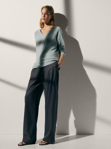 100% cashmere V-neck oversize sweater