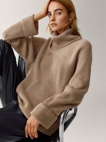 Wide-neck cape sweater