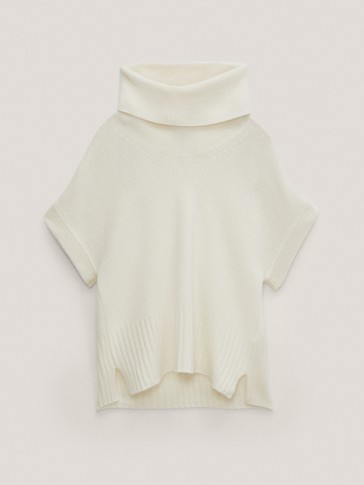 High scoop neck wool sweater with short sleeves