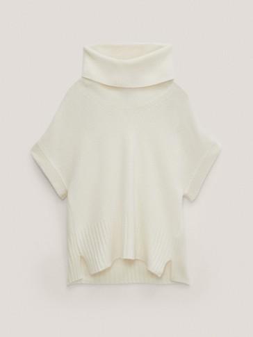 Kurzärmeliger Pullover aus Wolle mit weitem Rollkragen