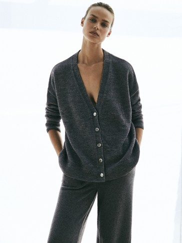 Oversize buttoned cardigan