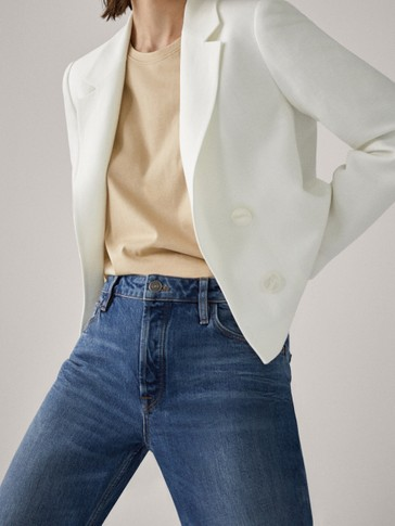 Cropped buttoned blazer