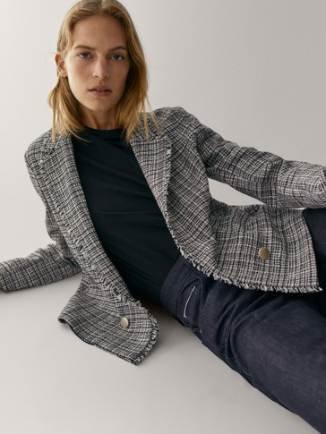 Textured buttoned jacket