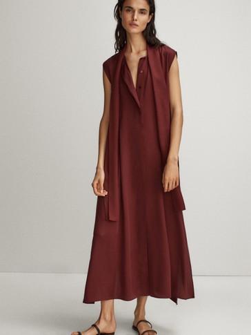 슬릿 디테일 플루이드 드레스