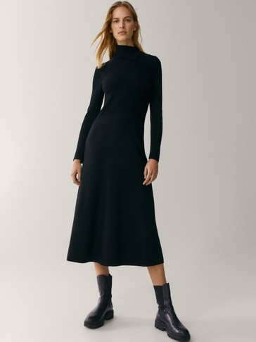 Dress with button detail
