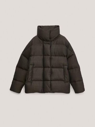 Karirana prošivena pernata jakna oversize kroja