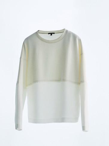 Sweatshirt combinada com decote redondo