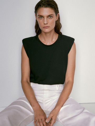 Cotton top with shoulder pads