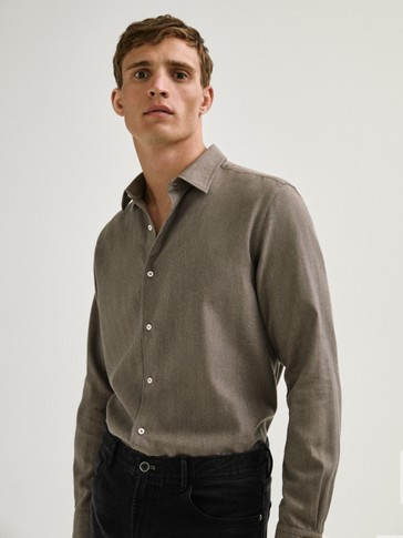 Košulja slim kroja od 100 % pamuka s uzorkom riblje kosti