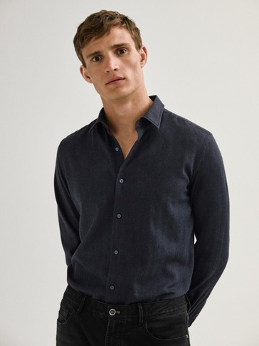 100% cotton slim-fit herringbone shirt