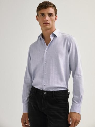 قميص من القطن 100% ونقشة الهيرينغبون بقصة ضيقة