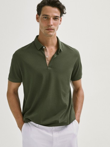 قميص بولو بطوق معاكس وأكمام قصيرة