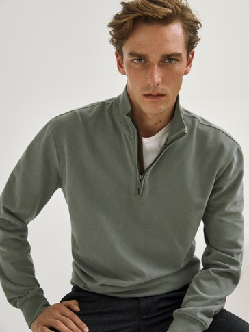 100% cotton sweatshirt with zip