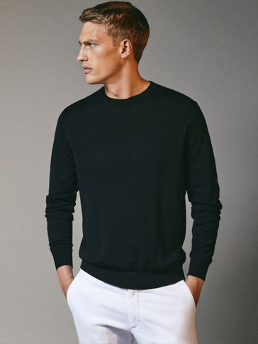 Crew neck sweater in 100% merino wool