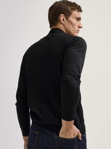 High neck sweater in 100% merino wool