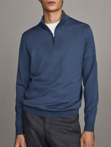 Mock turtleneck sweater in 100% merino wool
