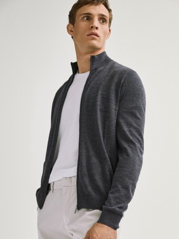 Cardigan in 100% merino wool