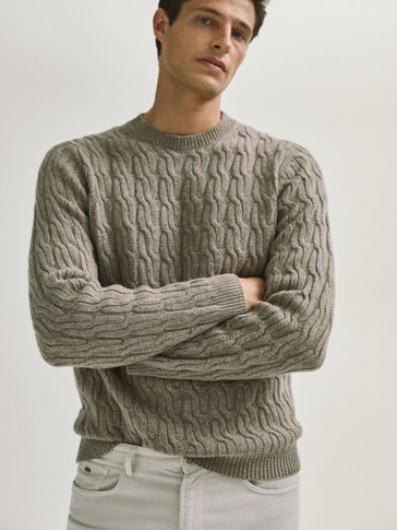 Crew neck braided sweater