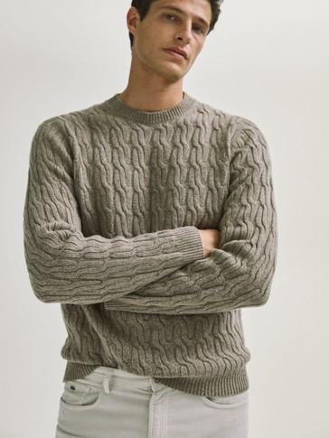 Pullover mit Rundausschnitt und Zopfmuster