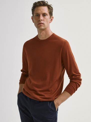 Crew neck sweater in merino wool