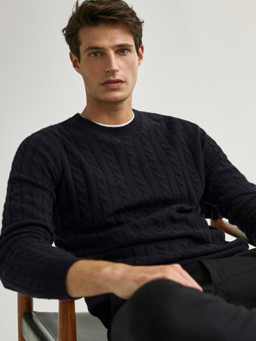 Crew neck cable-knit wool sweater