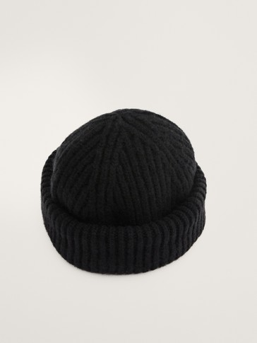 100% wool ribbed hat