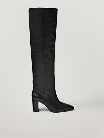 BLACK LEATHER BOOTS WITH WOODEN HEELS