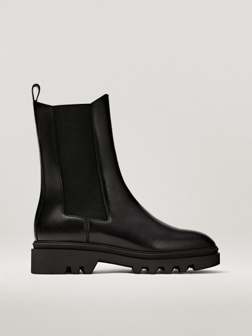 FLAT BLACK CHELSEA BOOTS WITH TRACK SOLE