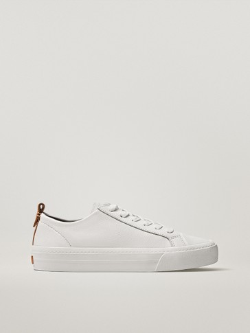 TRAINERS WITH LEATHER TRIM