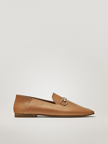 TAN LOAFERS WITH BUCKLE DETAIL