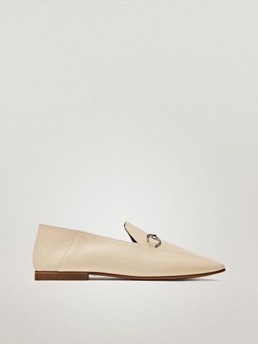 CREAM LOAFERS WITH HORSEBIT DETAIL