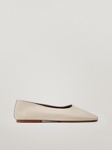 حذاء باليه مسطح من الجلد الناعم لون كريمي