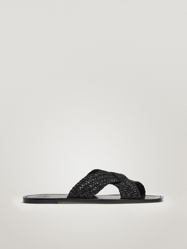 CROSSOVER VAMP BRAIDED BLACK SANDALS