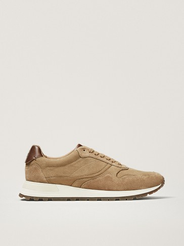 NUBUCK TRAINERS IN SAND