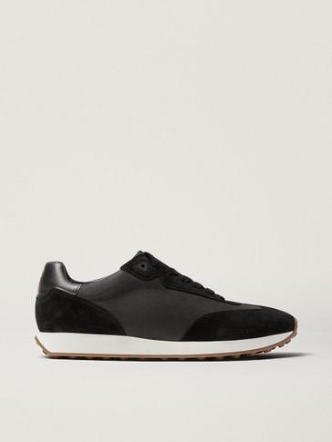 Zwarte nubuckleren sneakers