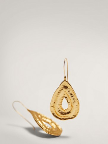 GOLD-PLATED TEARDROP EARRINGS