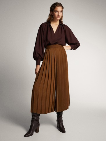 ASIAN FIT. PLEATED CULOTTE TROUSERS