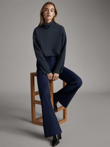 ASIAN FIT. FLARED NAVY WOOL TROUSERS