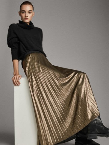PLEATED LAMINATED SKIRT