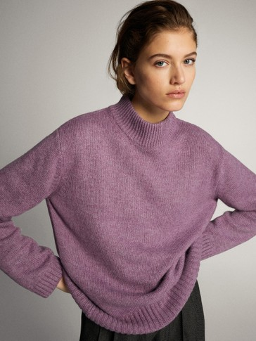 HIGH NECK SWEATER WITH ROUNDED HEM