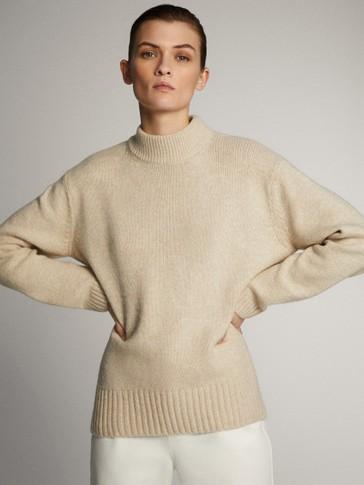 라운드 헴 터틀 넥 스웨터