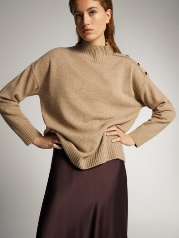 WOOL CASHMERE CAPE SWEATER WITH SHOULDER BUTTONS